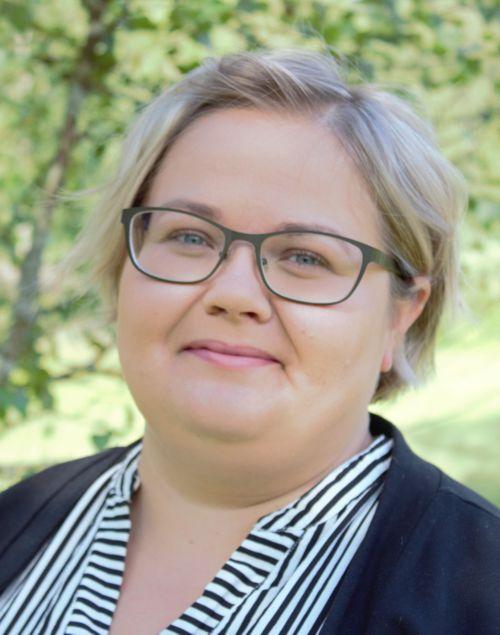 Kuka olen? Olen Jannica Ruusunen virtuaaliassistentti ja digiajan sihteeri.
